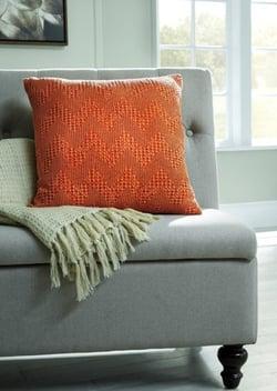 pillows - 1195589344_a1000875p-b7