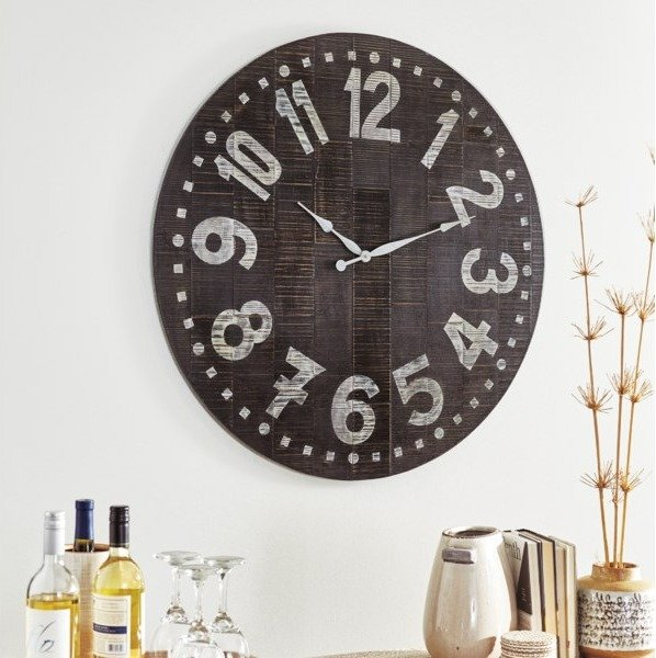 How to Place a Wall Clock in Your Living Room