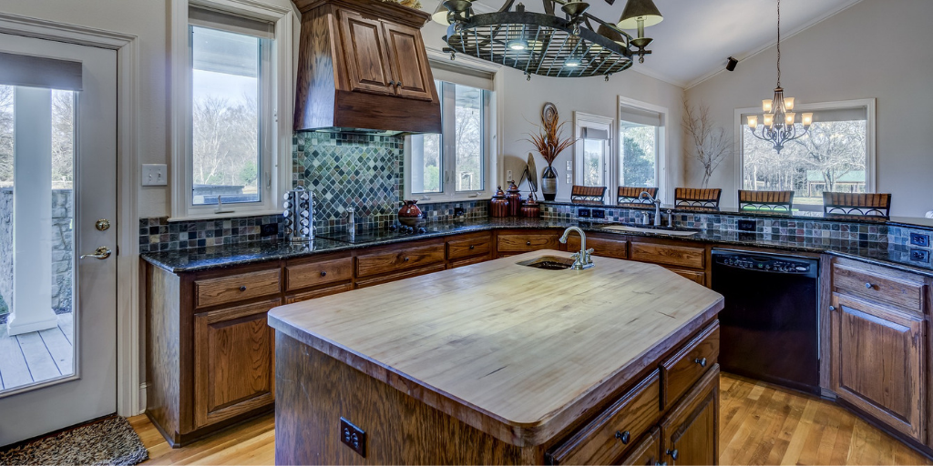 What kitchen cabinet designs are popular?